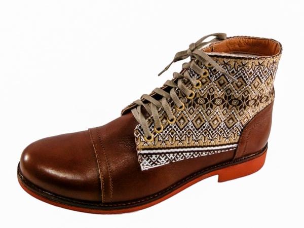 Орнаменты в мужской зимней обуви