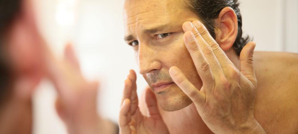 Почему появляются седые волосы и как от них избавиться